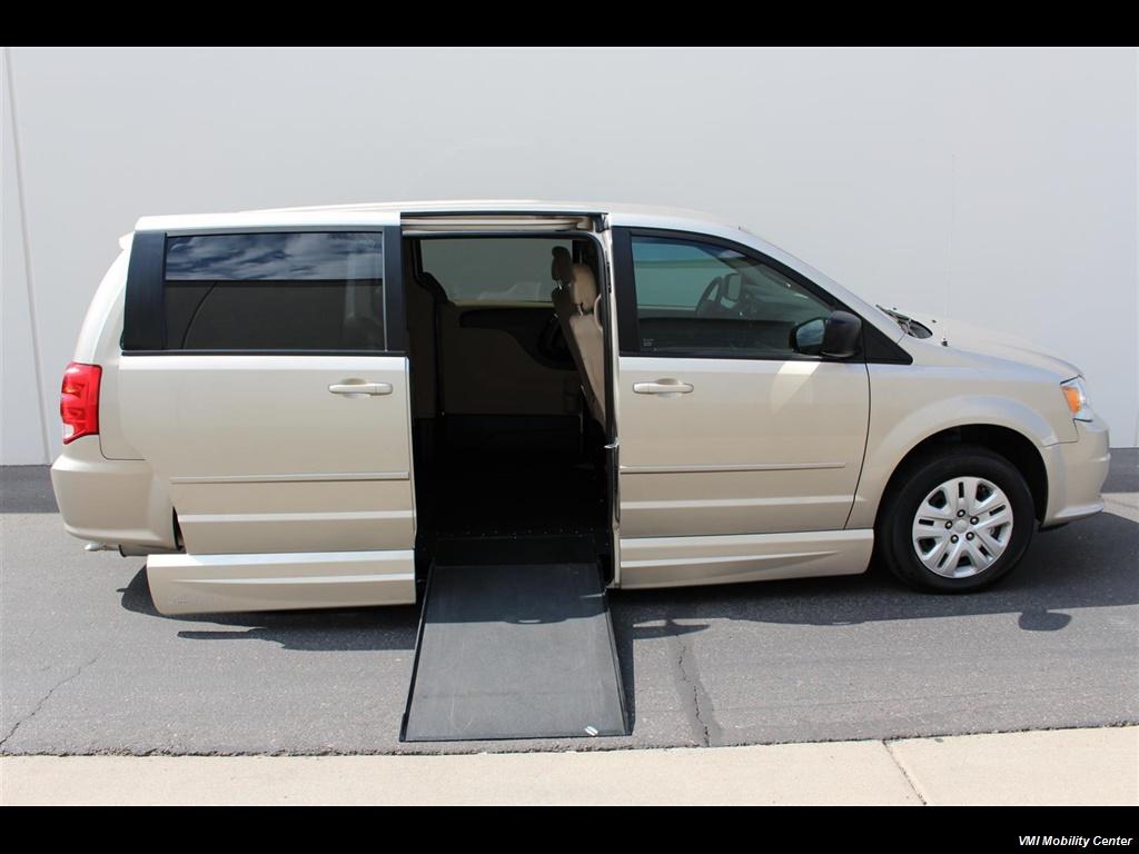 2016 Dodge Grand Caravan - Photo 1 - Phoenix, AZ 85040