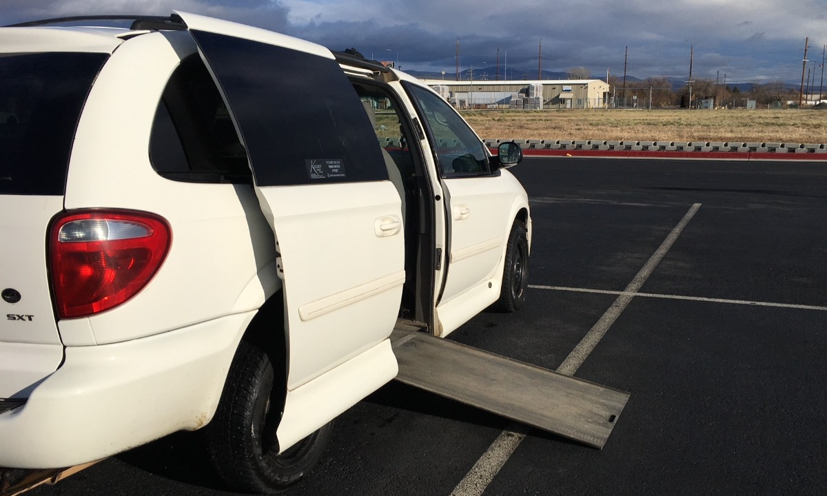 Used 2005 Dodge Grand Caravan SXT Wheelchair Van