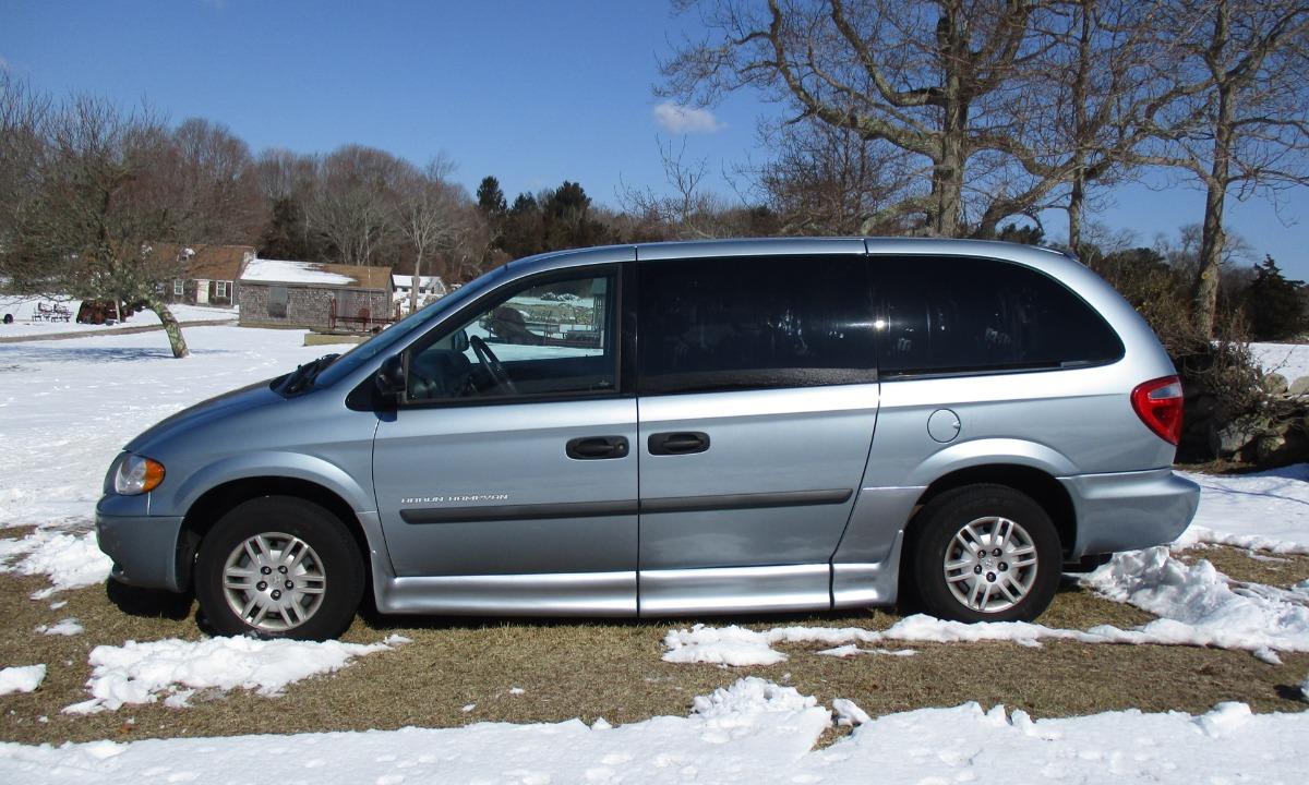 f92636e056 Sale Pending 2006 Dodge Grand Caravan   Braun Conversion Package Wheelchair  Van For Sale