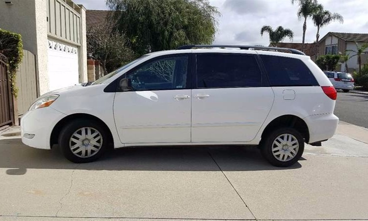 Used 2007 Toyota Sienna  Wheelchair Van