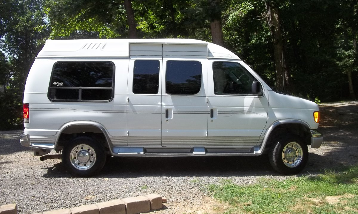 2004 Ford E-250 Wheelchair Van For Sale
