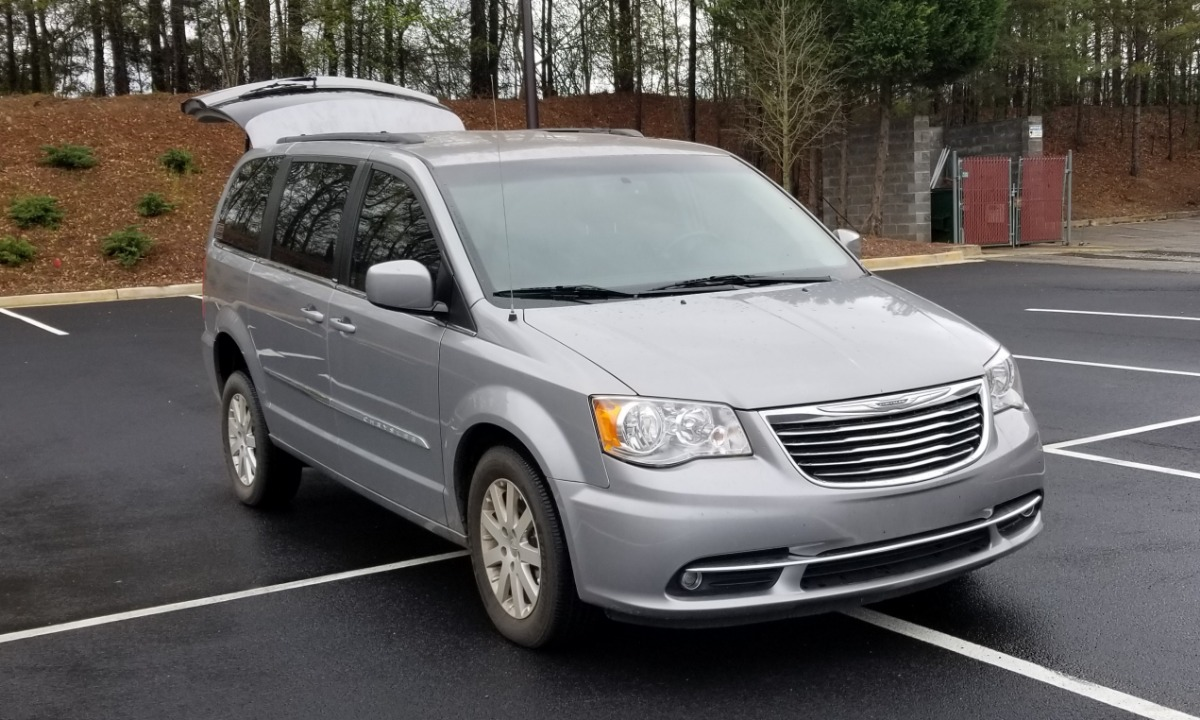 Used 2013 Chrysler  Town and Country  LOADED Wheelchair Van