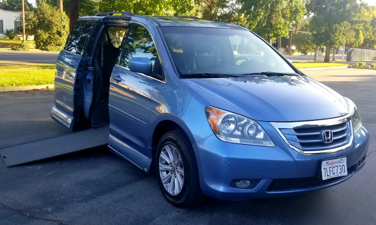 Used 2008 Honda Odyssey TOURING W/PAX Wheelchair Van