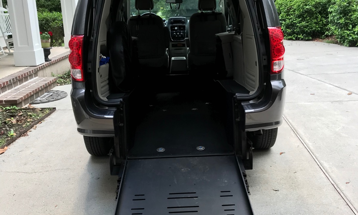 Used 2015 Dodge Grand Caravan SE Wheelchair Van
