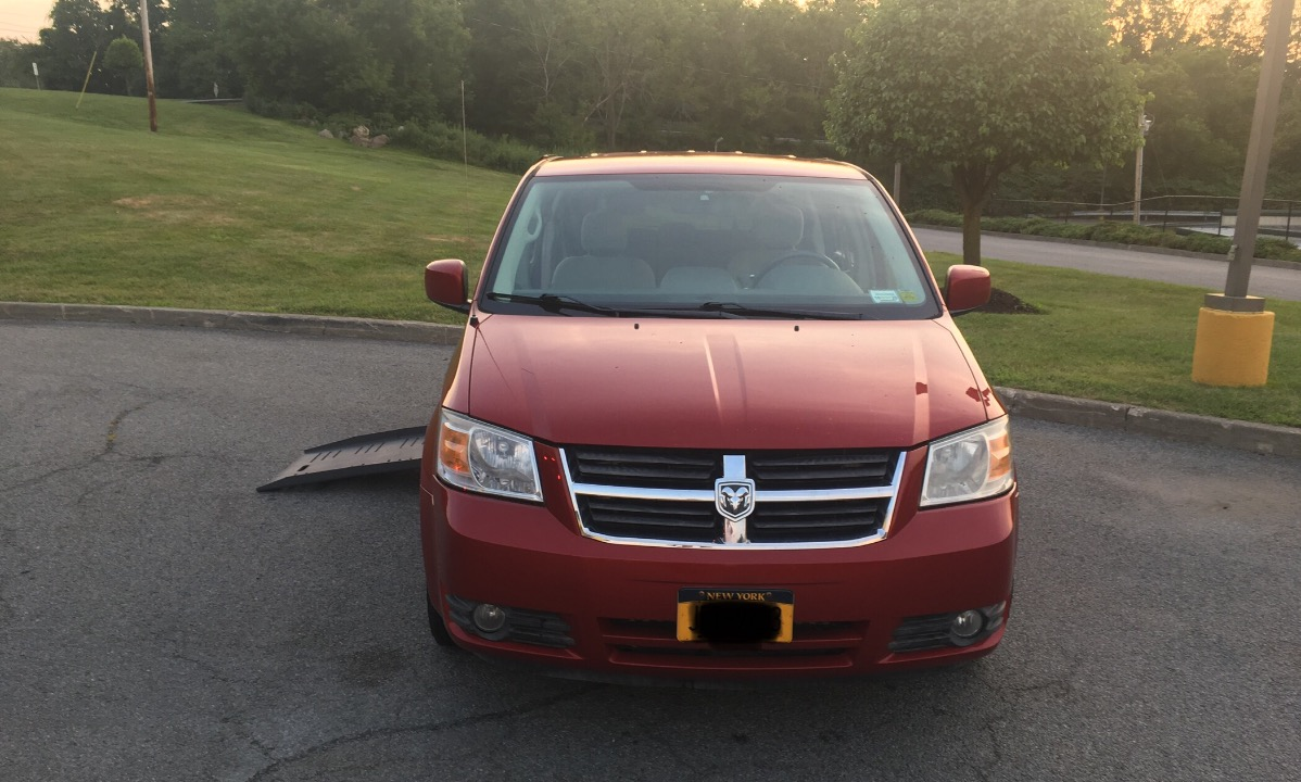 Used 2008 Dodge Caravan  SXT Wheelchair Van