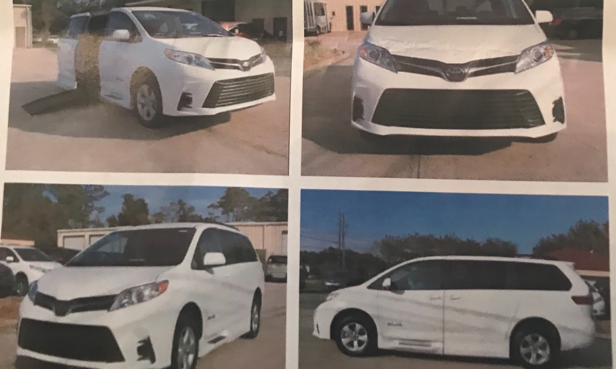 Used 2019 Toyota Sienna LE Wheelchair Van