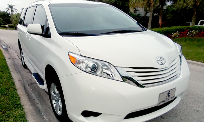 used power ramp mobility classified for sale on a 2017 toyota sienna. Black Bedroom Furniture Sets. Home Design Ideas