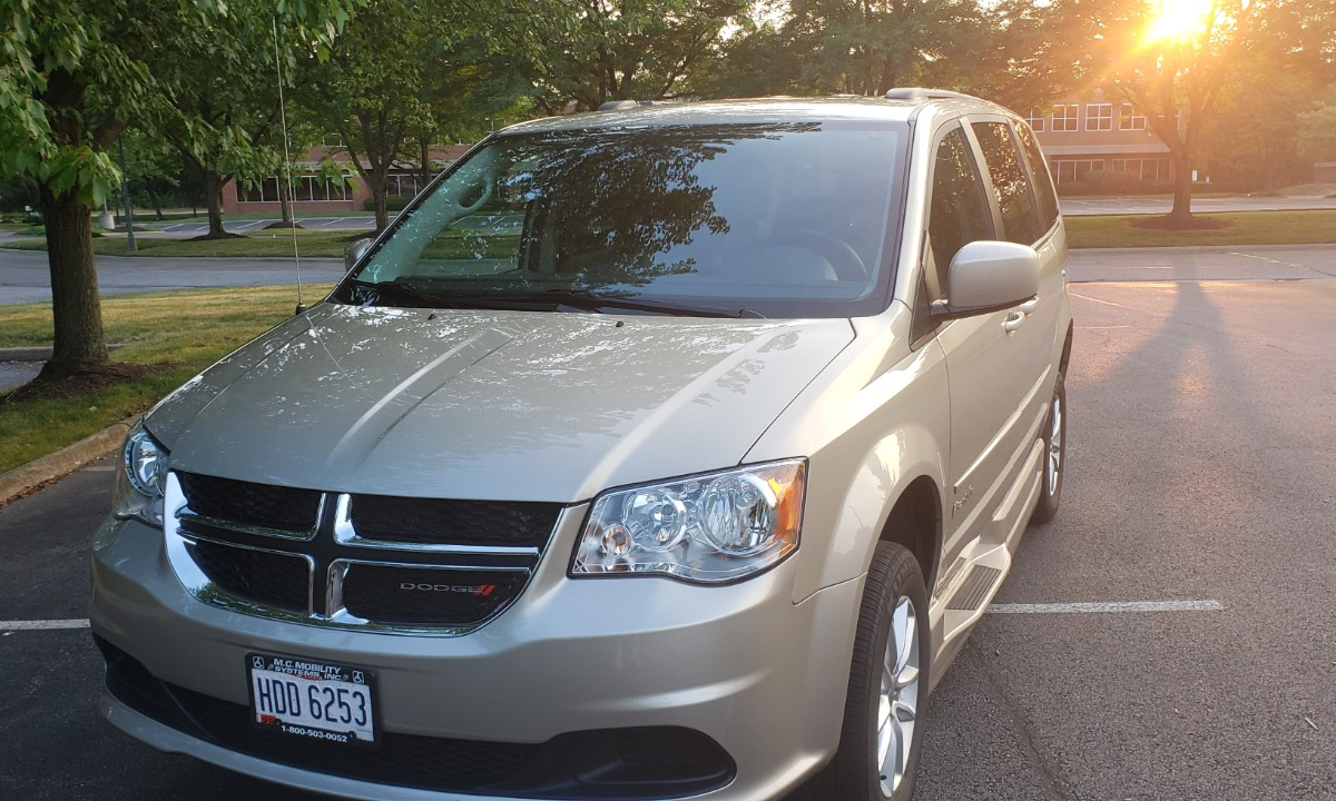Used 2016 Dodge Caravan SXT Braun Companion SXT Wheelchair Van