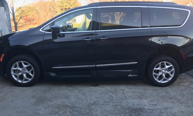 Used 2017 Chrysler Pacifica TOURING-L Wheelchair Van