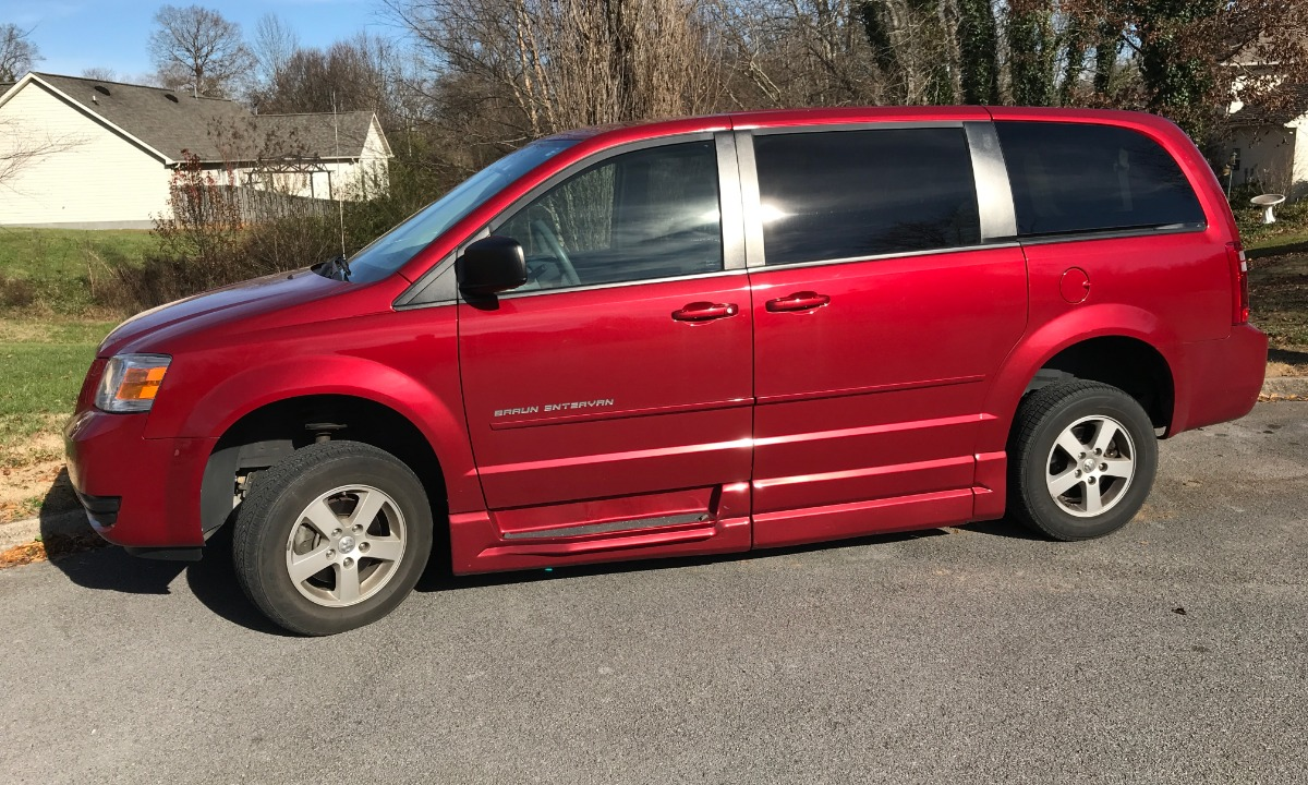 016d4843dfab88 2010 Dodge Grand Caravan Wheelchair Van For Sale -- Thumb   ...