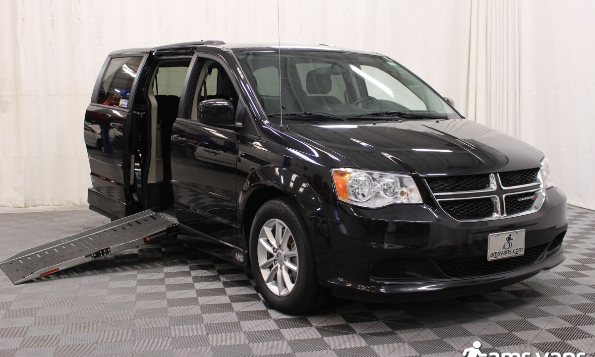 Used 2015 Dodge Caravan SXT Wheelchair Van
