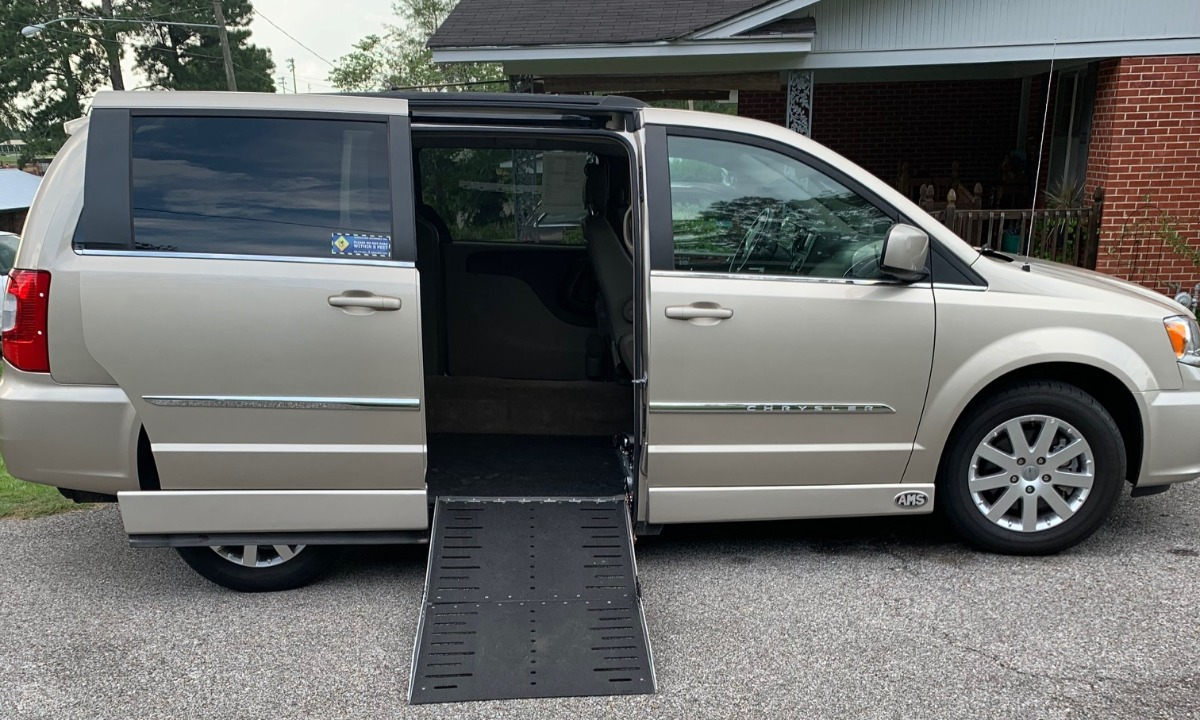 Used 2016 Chrysler Town and Country  Wheelchair Van