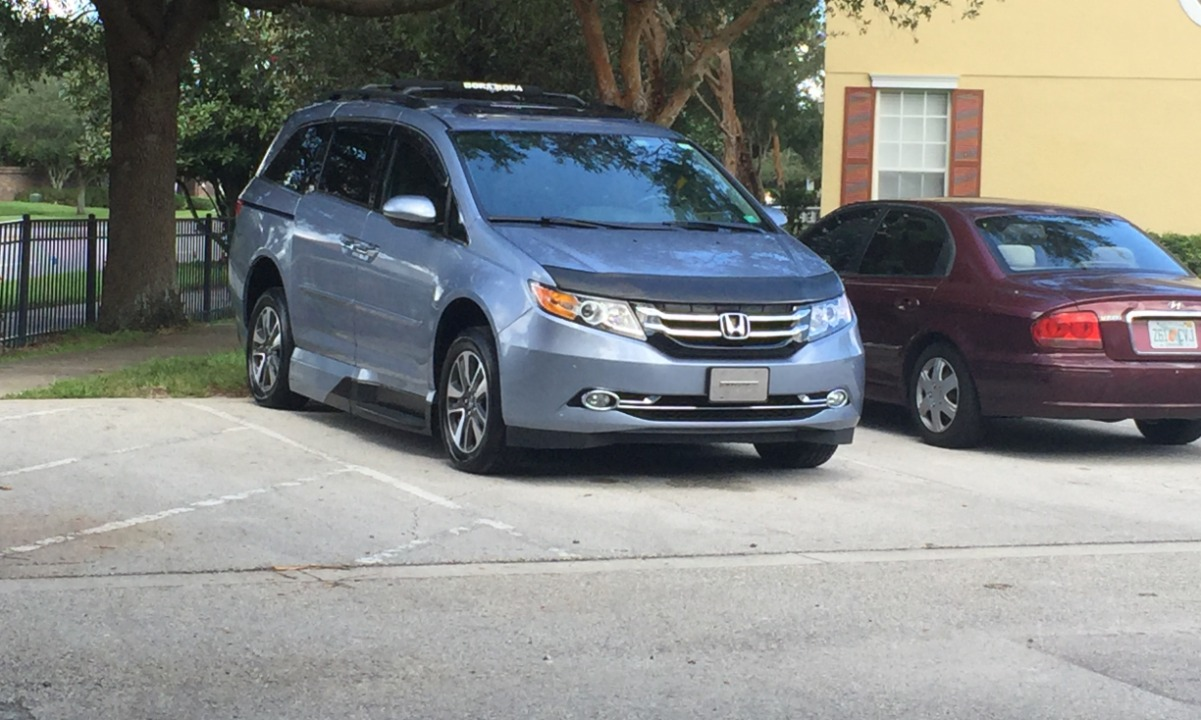 Used 2014 Honda Odyssey ELITE Wheelchair Van