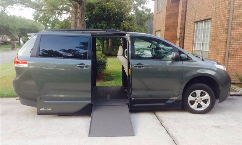 2013 Toyota Sienna Wheelchair Van For Sale