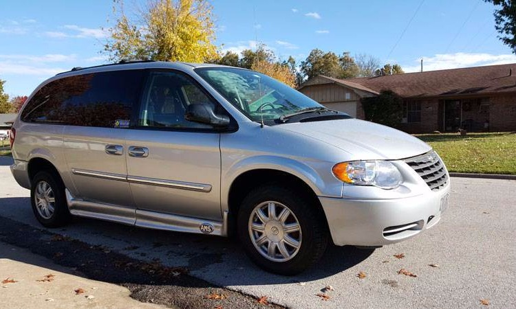 Used 2006 Chrysler Town & Country  Wheelchair Van