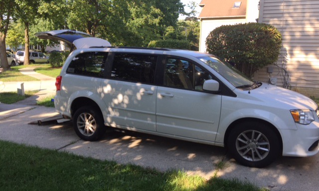 2014 Dodge GRAND CARAVAN SXT Wheelchair Van For Sale 1