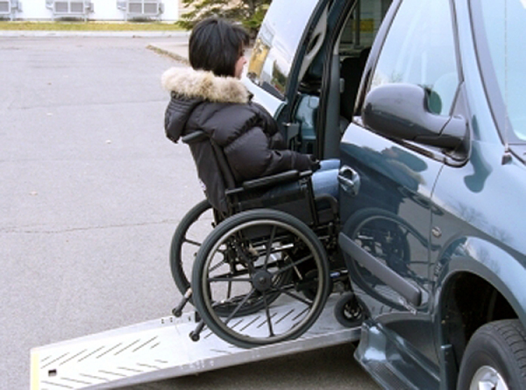 Tractor Wheelchair Lift : Adapt solutions power pull ramp assistant for wheelchair